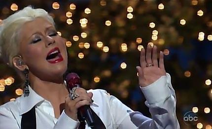 christina aguilera regresa a disney para cantar have yourself a merry little christmas popeleranet - Have Yourself A Merry Little Christmas Christina Aguilera