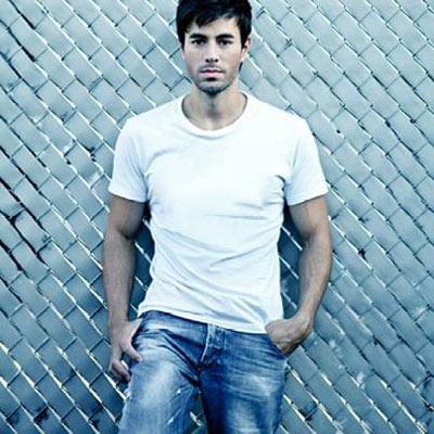 Enrique Iglesias en los Latin Grammy 2014