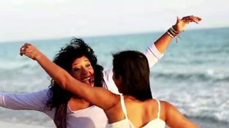 Rosana y Martina La Peligrosa estrenan el vídeo de 'Yo no te dejo marchar'