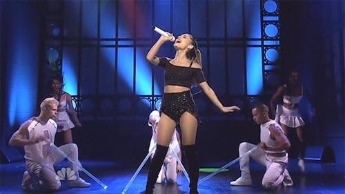 Ariana Grande en Saturday Night Live