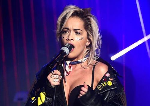 Rita Ora presenta 'Poison' en directo