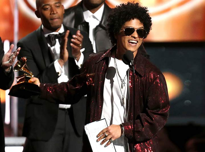 Bruno Mars arrasa en los Grammy 2018