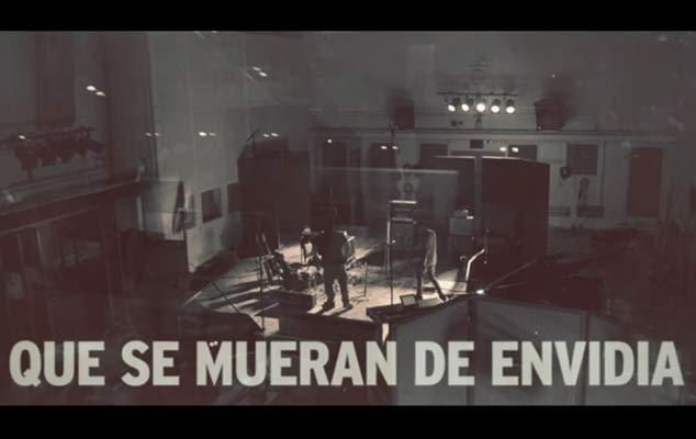 Dani Martín Estrena El Lyric Video Del Tema Que Se Mueran De