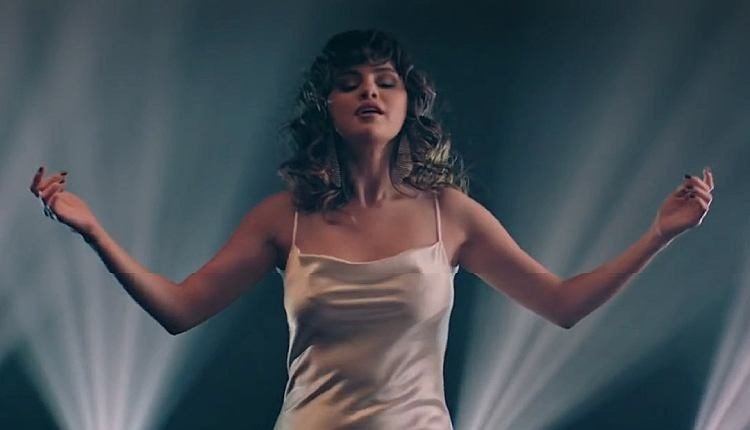 selena-gomez-dance-again